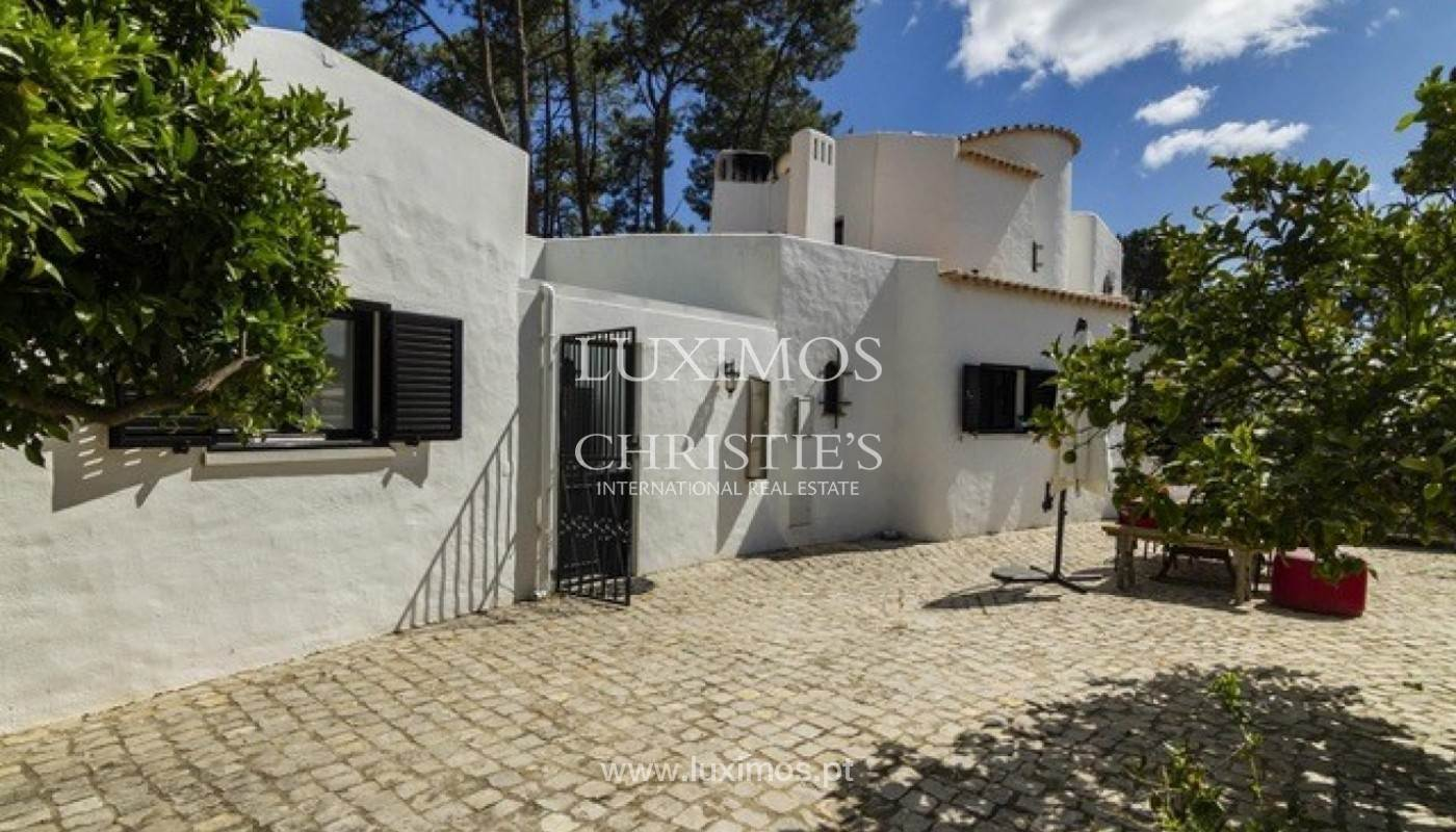 26. Виллы / Таунхаусы для того Продажа на Sale of villa with pool golf front in Vilamoura, Algarve, Portugal Loule, Algarve,8125-404 Португалия