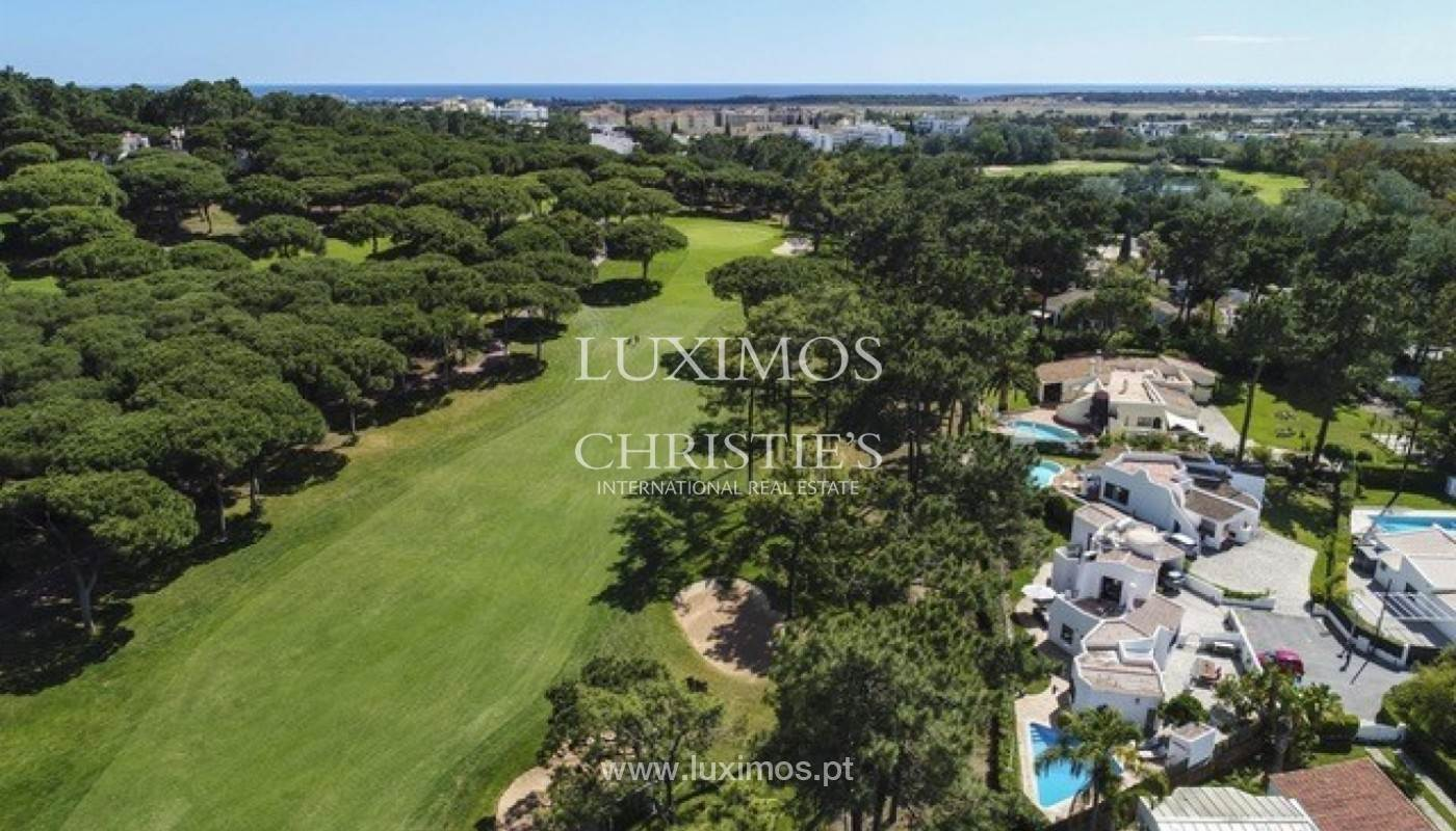 3. Виллы / Таунхаусы для того Продажа на Sale of villa with pool golf front in Vilamoura, Algarve, Portugal Loule, Algarve,8125-404 Португалия