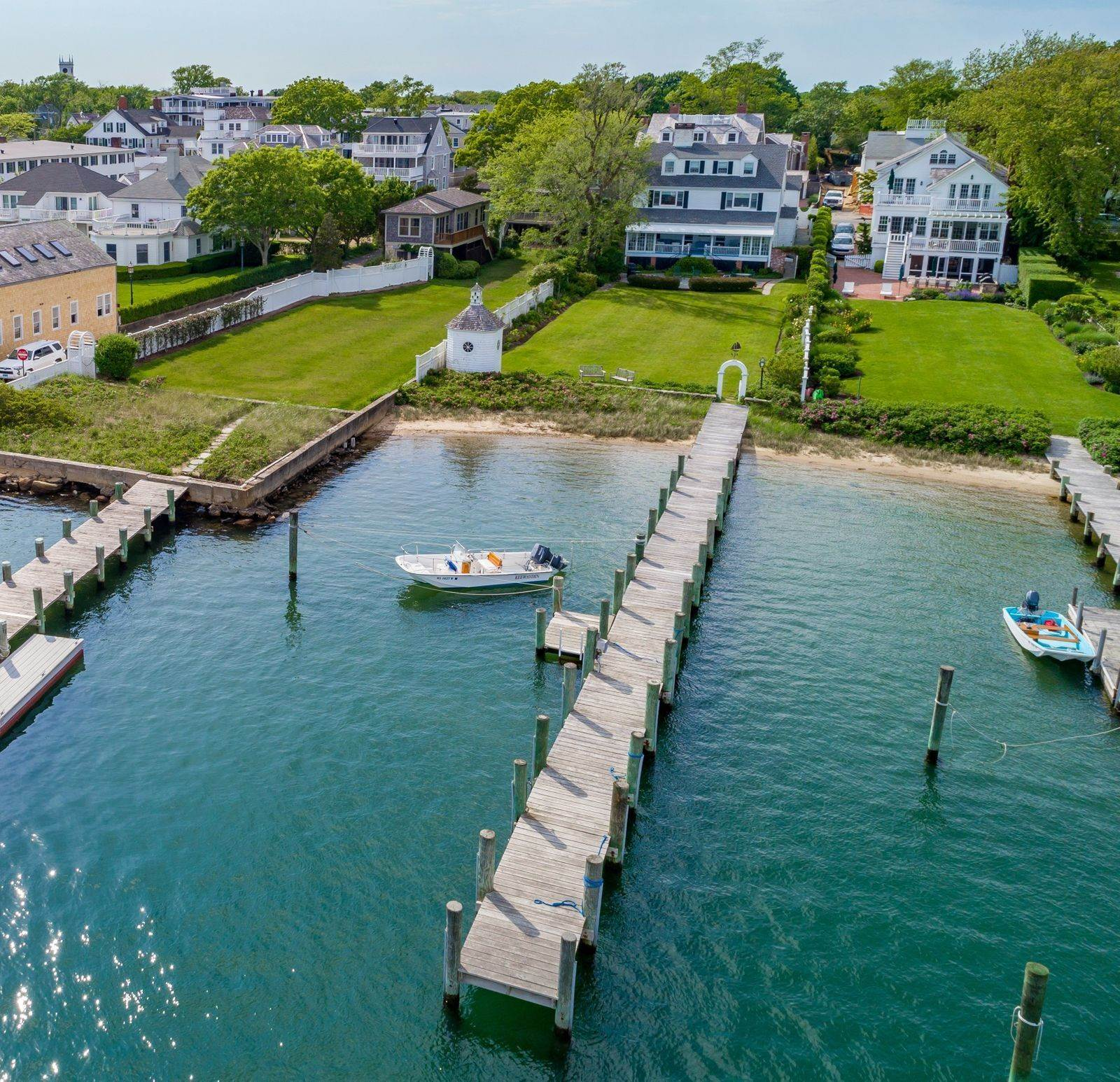 Single Family Home vì Bán tại 61 North Water Street Edgartown, Massachusetts,02539 Hoa Kỳ