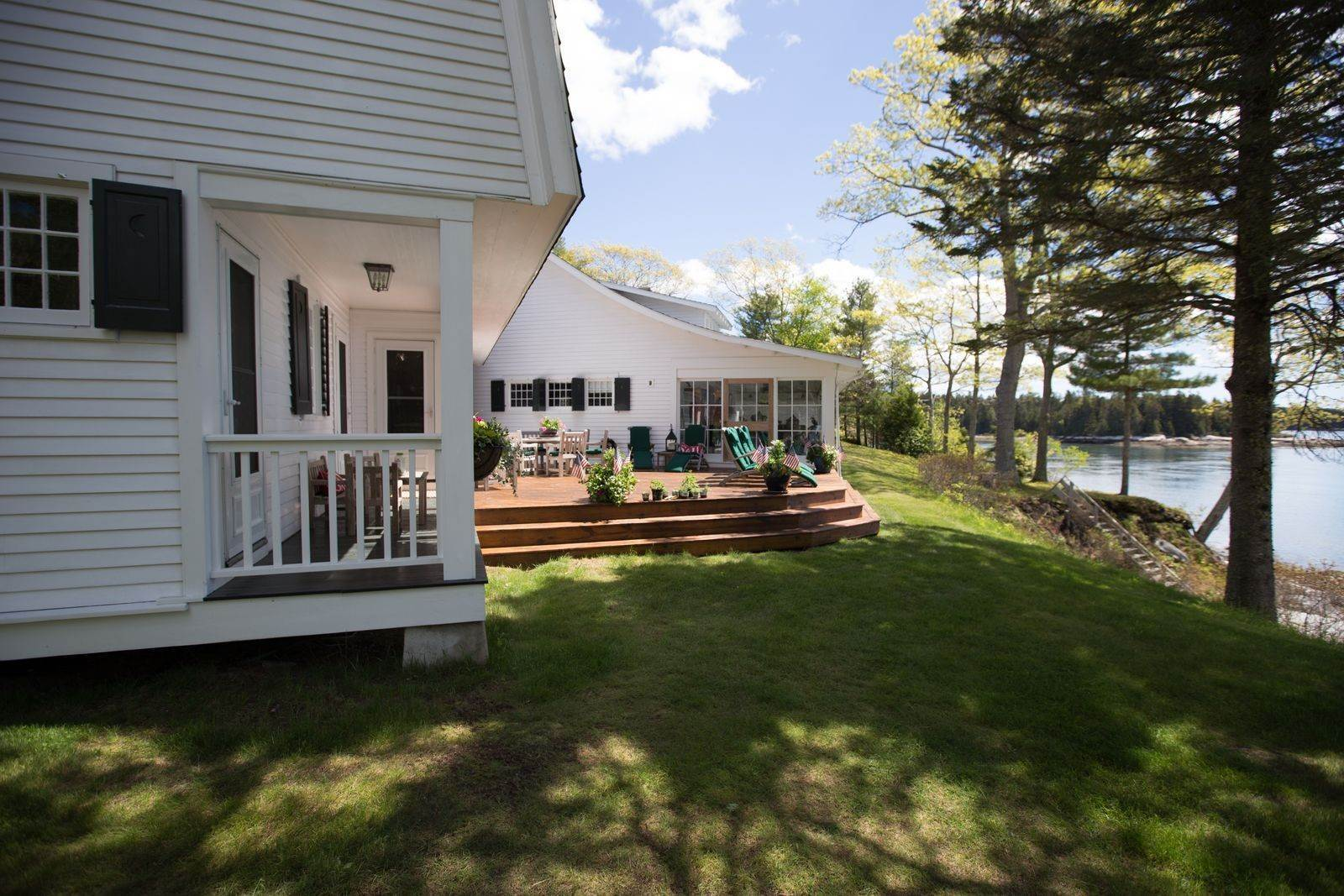 13. Single Family Home for Sale at Aspinwall 16 Bremen Long Island Bremen, Maine,04551 United States