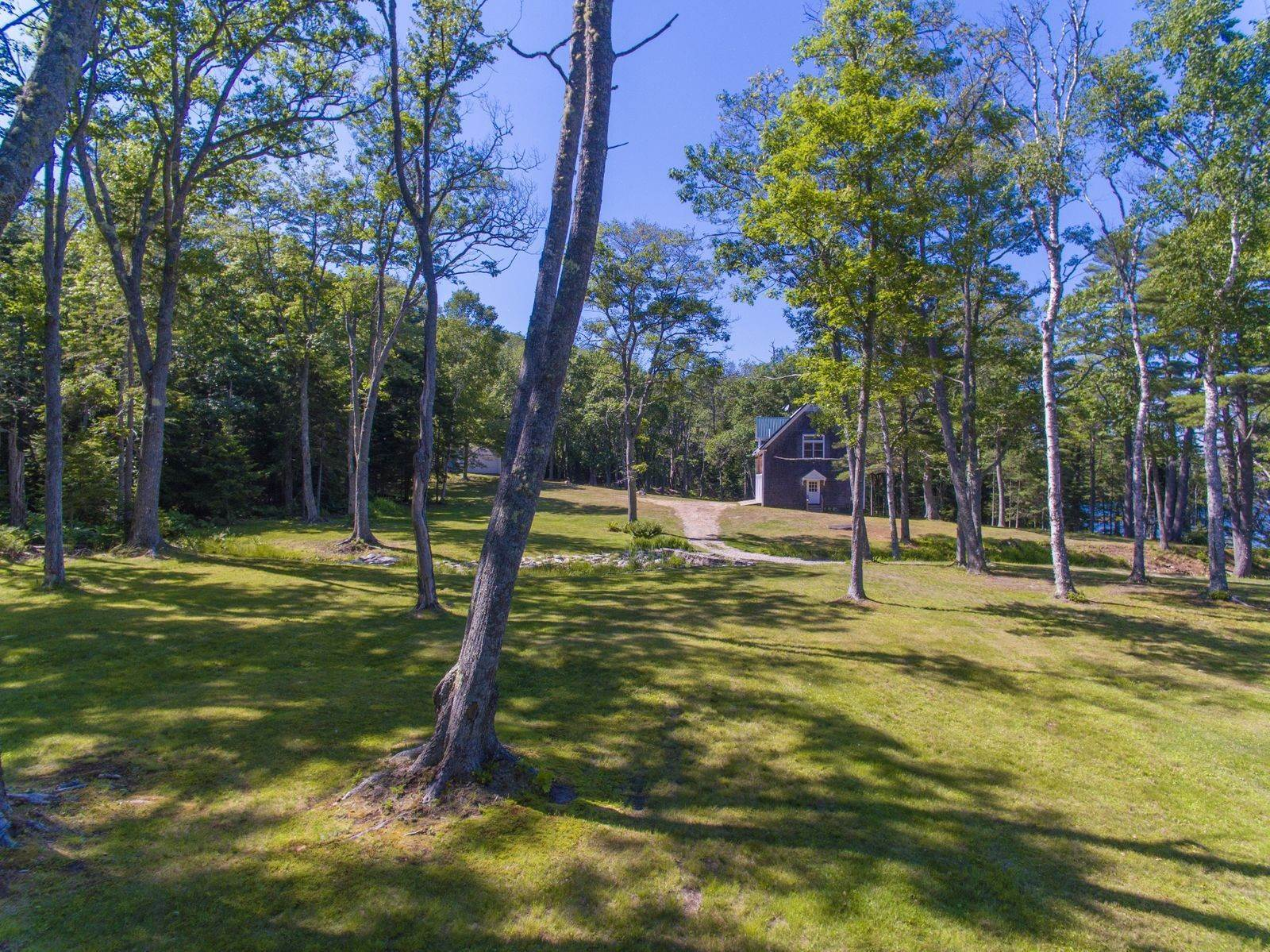 15. Single Family Home for Sale at Aspinwall 16 Bremen Long Island Bremen, Maine,04551 United States