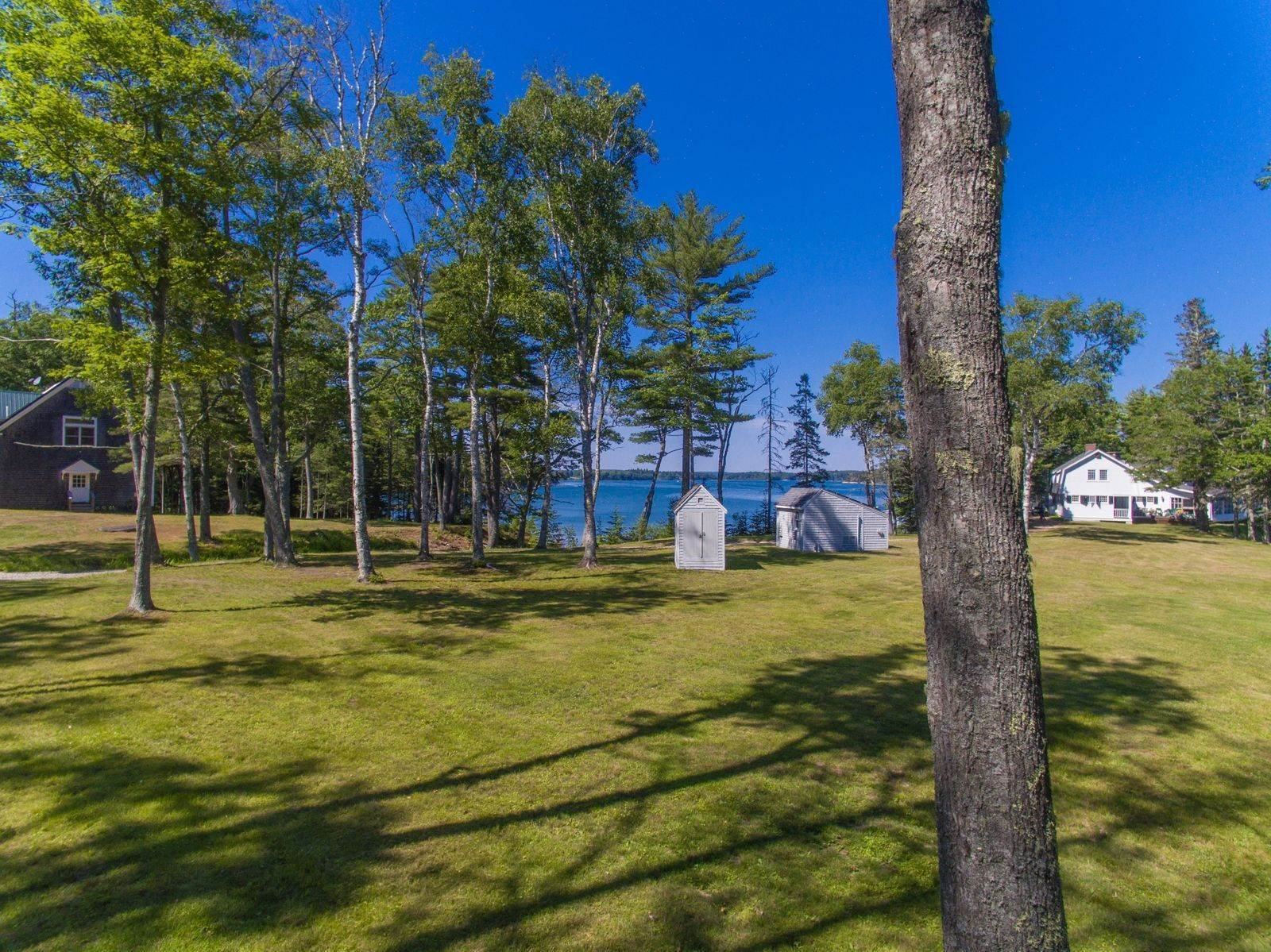 16. Single Family Home for Sale at Aspinwall 16 Bremen Long Island Bremen, Maine,04551 United States