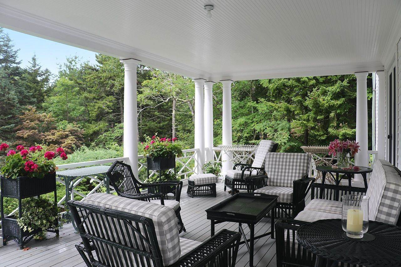 4. Single Family Home für Verkauf beim Gull's Rock 18 South Shore Road Northeast Harbor, Maine,04662 Vereinigte Staaten