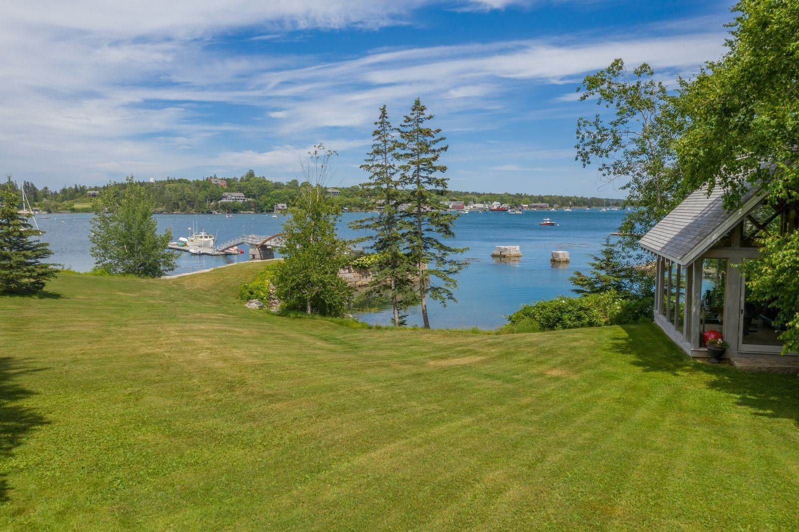 3. Single Family Home vì Bán tại 1552 North Haven Road Vinalhaven, Maine,04863 Hoa Kỳ