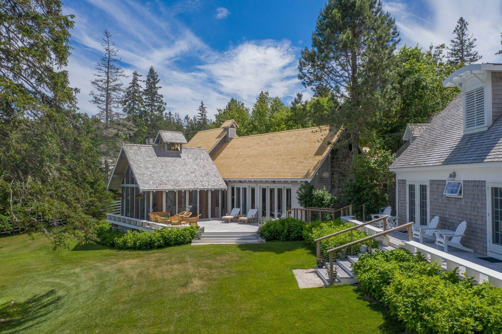 4. Single Family Home vì Bán tại 1552 North Haven Road Vinalhaven, Maine,04863 Hoa Kỳ