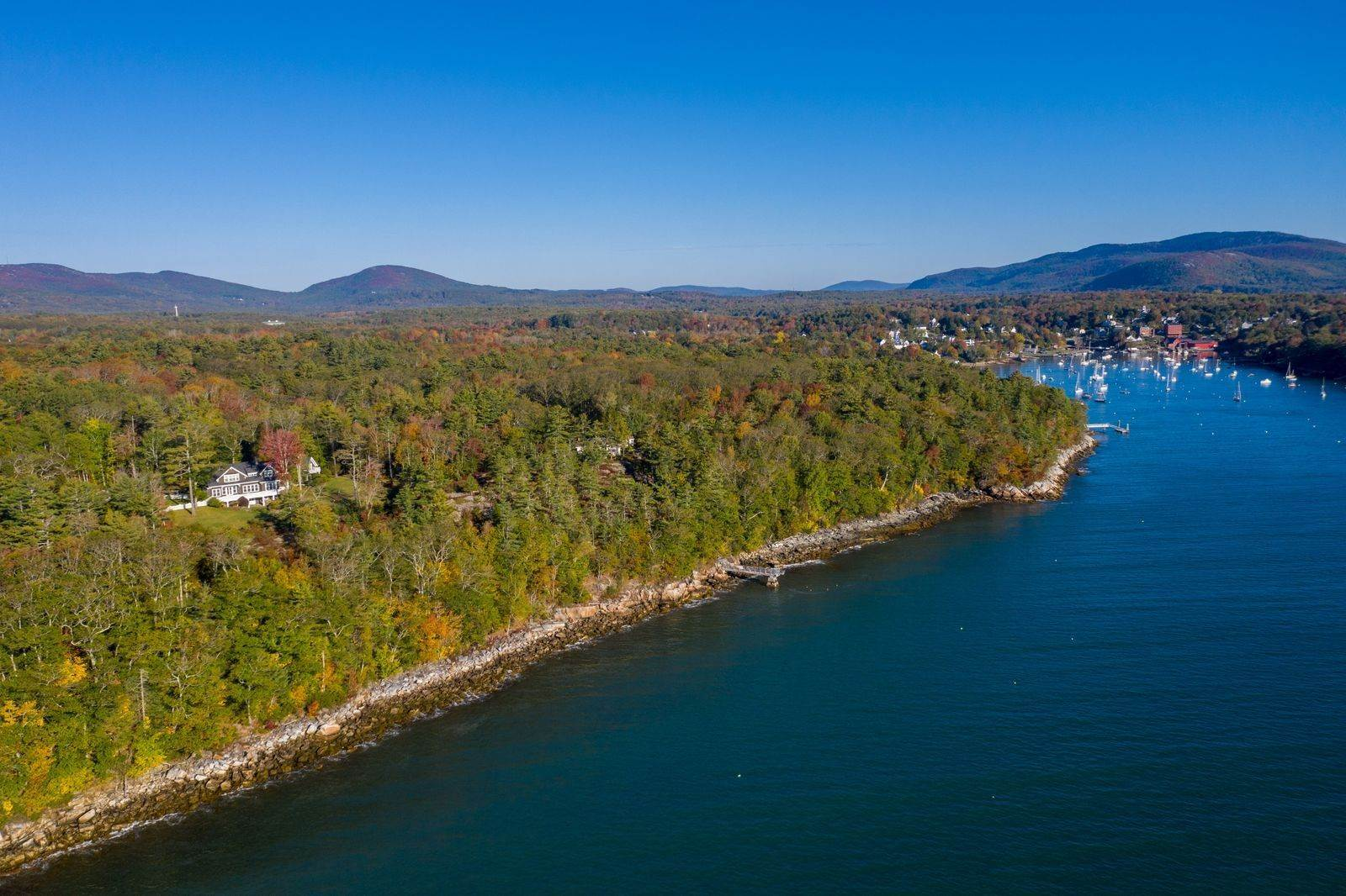 Single Family Home for Sale at Moon Tide Cottage 6 Pandion Ln Rockport, Maine,04856 United States