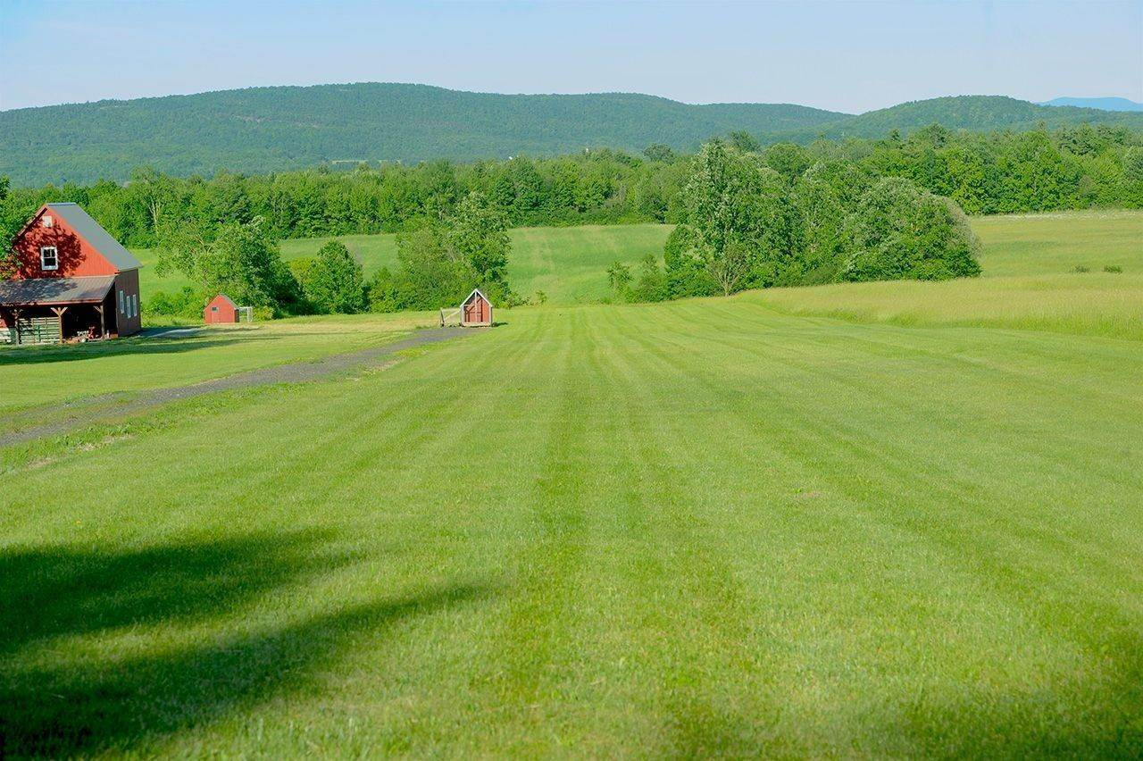 8. Single Family Home por un Venta en Twin View Farm 1075 Grandey Rd Addison, Vermont,05491 Estados Unidos