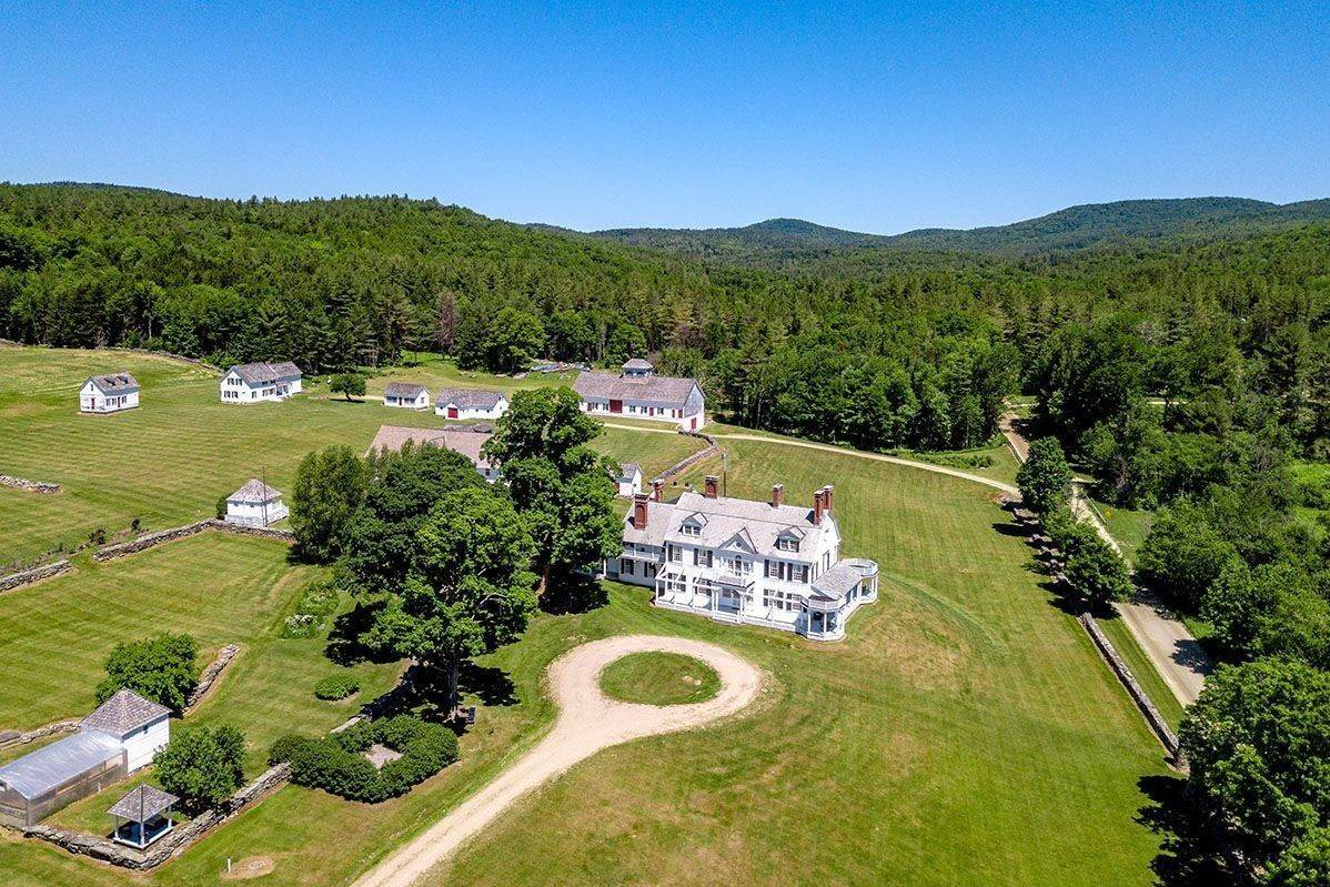 5. Single Family Home pour l à vendre à Brook Farm Vineyards 4203 Twenty Mile Stream Rd Cavendish, Vermont,05153 États-Unis