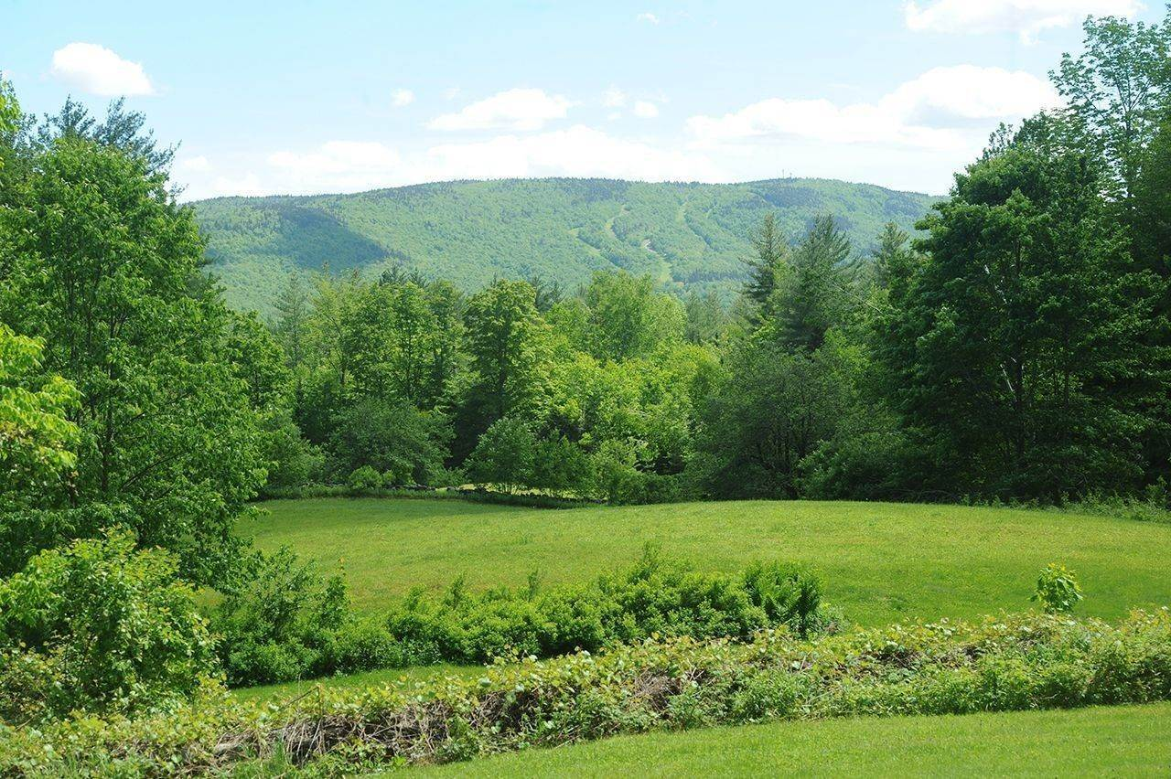 3. Single Family Home voor Verkoop op Cobble Hill Farm 389 Cobble Hill Rd Londonderry, Vermont,05148 Verenigde Staten