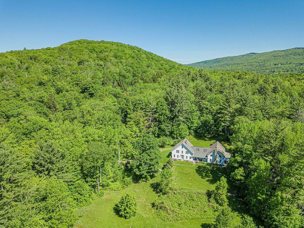 4. Single Family Home voor Verkoop op Cobble Hill Farm 389 Cobble Hill Rd Londonderry, Vermont,05148 Verenigde Staten