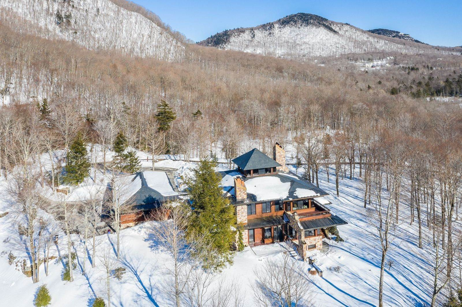5. Single Family Home のために 売買 アット Mendonhall Estate, A Serene Mountain Retreat in the Heart of Vermont Ski Country Mendon, バーモント,05751 アメリカ