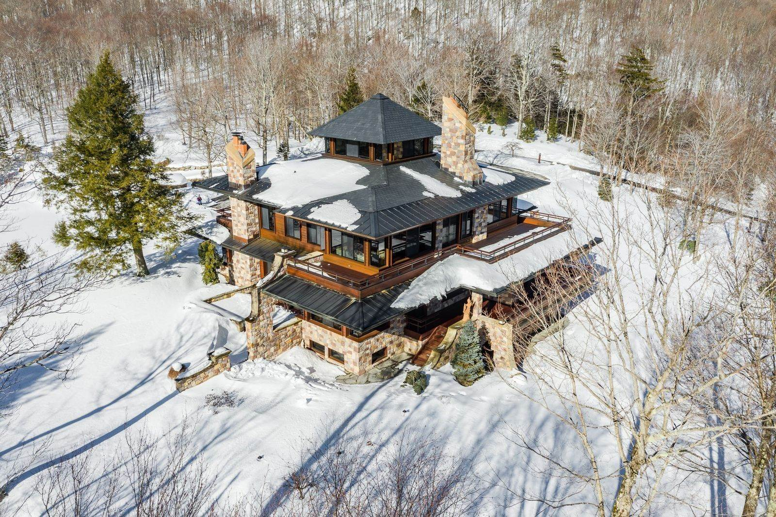 4. Single Family Home のために 売買 アット Mendonhall Estate, A Serene Mountain Retreat in the Heart of Vermont Ski Country Mendon, バーモント,05751 アメリカ