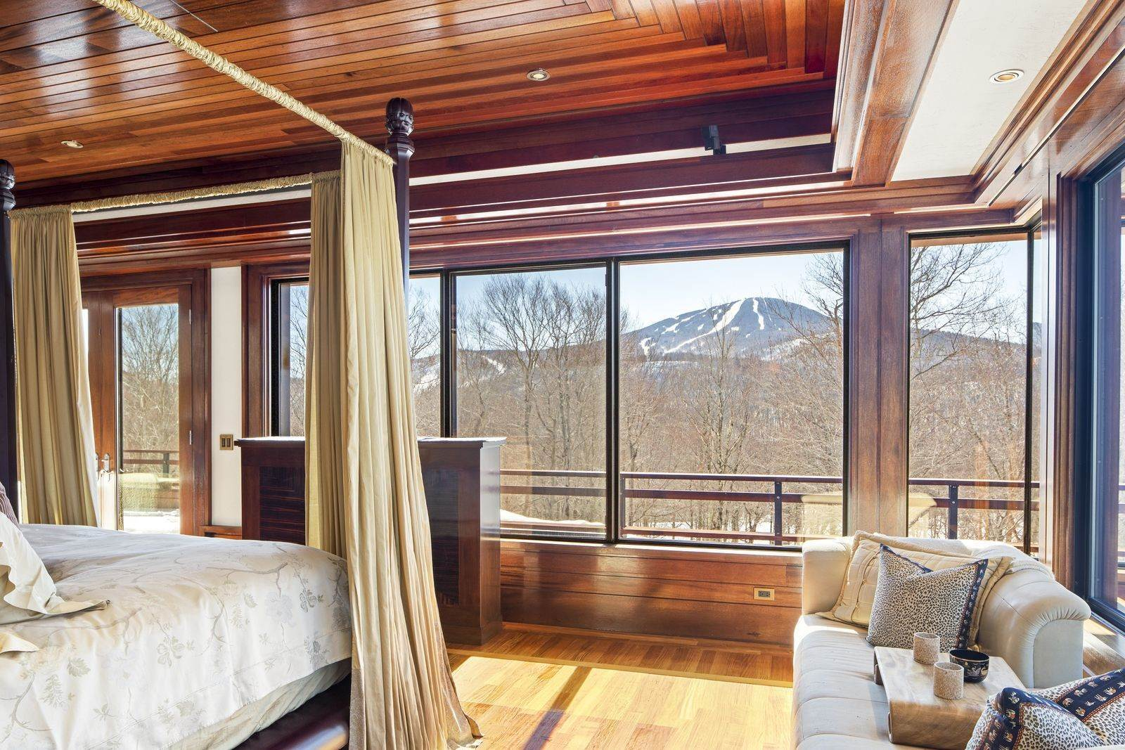 18. Single Family Home のために 売買 アット Mendonhall Estate, A Serene Mountain Retreat in the Heart of Vermont Ski Country Mendon, バーモント,05751 アメリカ