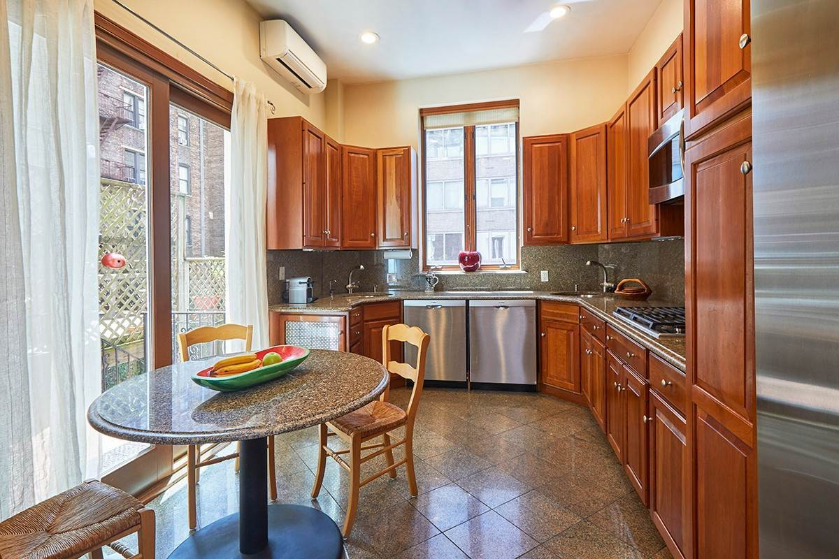 5. Multi Family Townhouse for Sale at 312 West 71st Street New York, New York,10023 United States