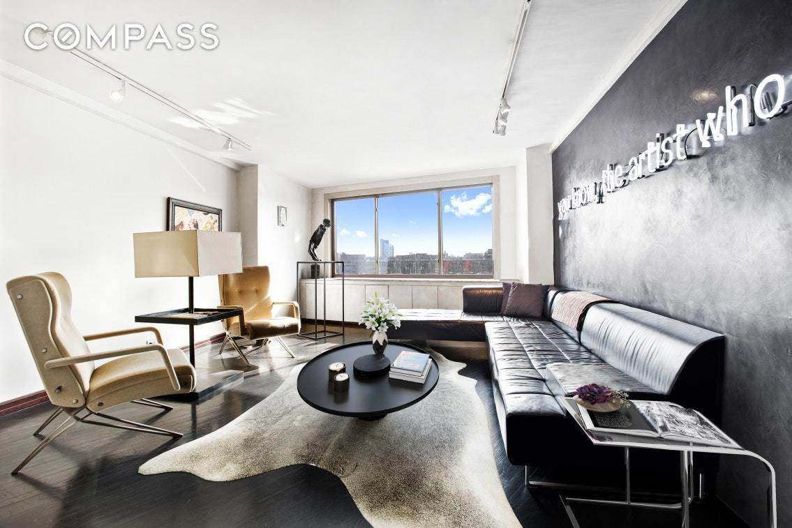 3. Co-op property pour l à vendre à 45 East End Avenue, 2-AJ New York, New York,10028 États-Unis