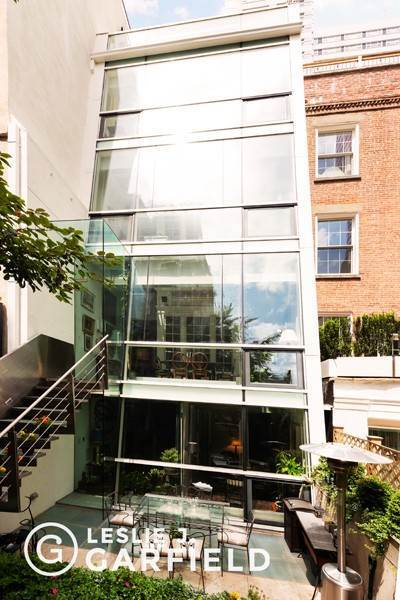 32. Single Family Townhouse para Venda às 240 East 68th Street New York, Nova York,10065 Estados Unidos