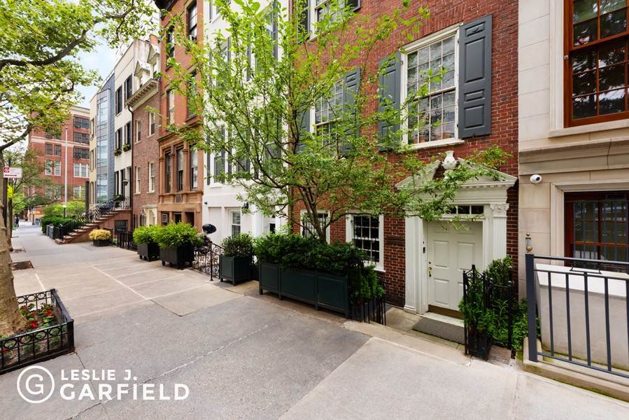 33. Single Family Townhouse para Venda às 240 East 68th Street New York, Nova York,10065 Estados Unidos