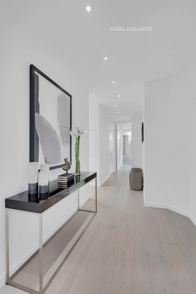 13. Condominium for Sale at CitySpire 150 West 56th Street, 7102 New York, New York,10019 United States