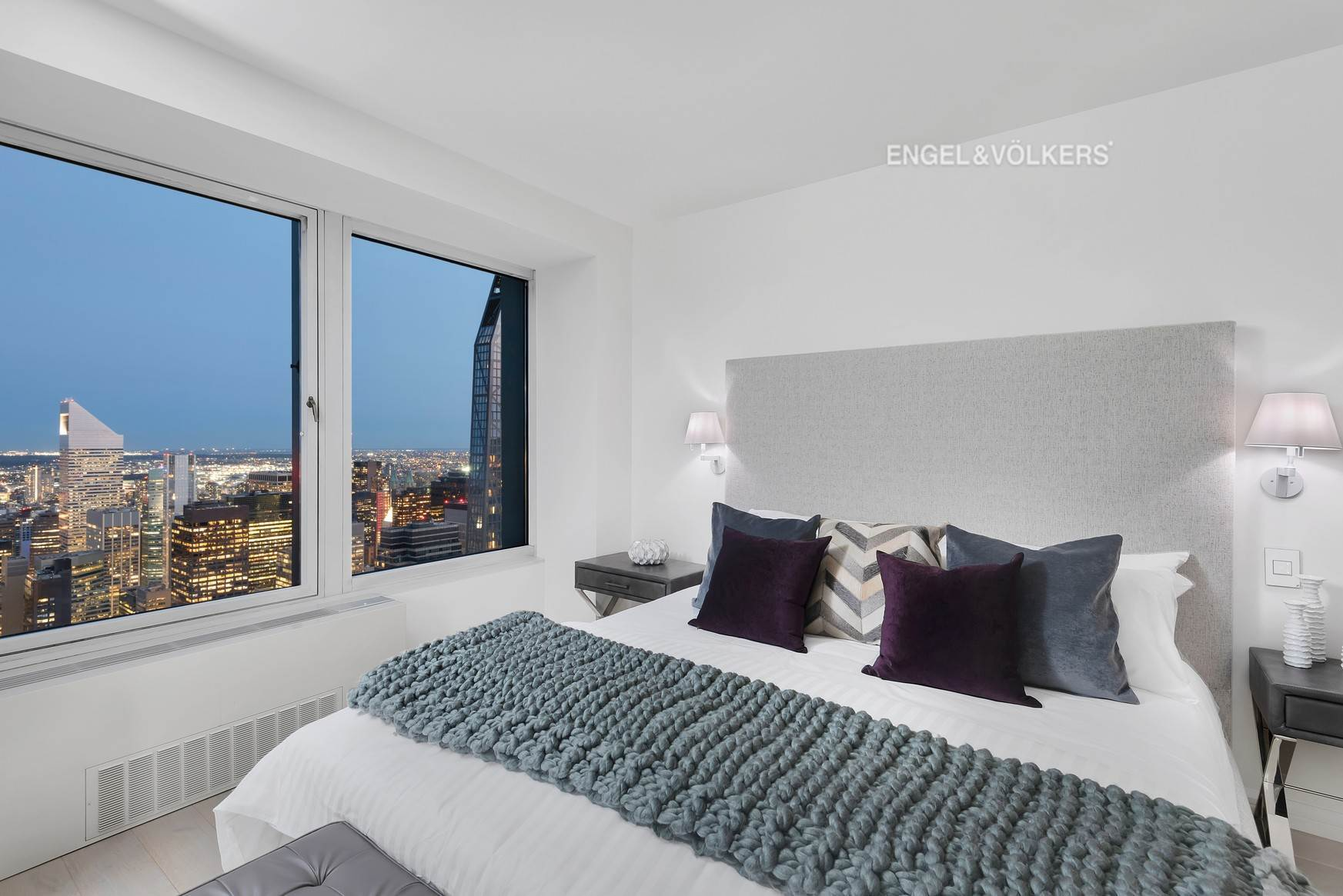 14. Condominium for Sale at CitySpire 150 West 56th Street, 7102 New York, New York,10019 United States