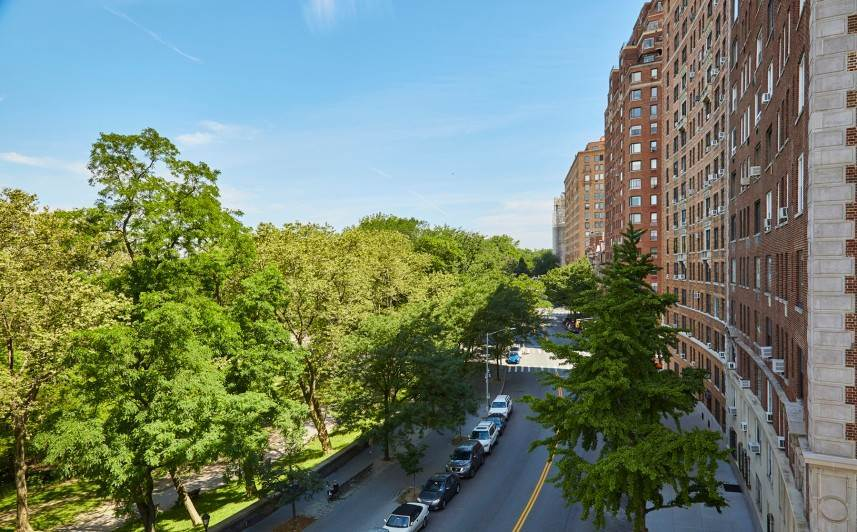 13. Multi Family Townhouse for Sale at Carroll Mansion 86 Riverside Drive New York, New York,10024 United States