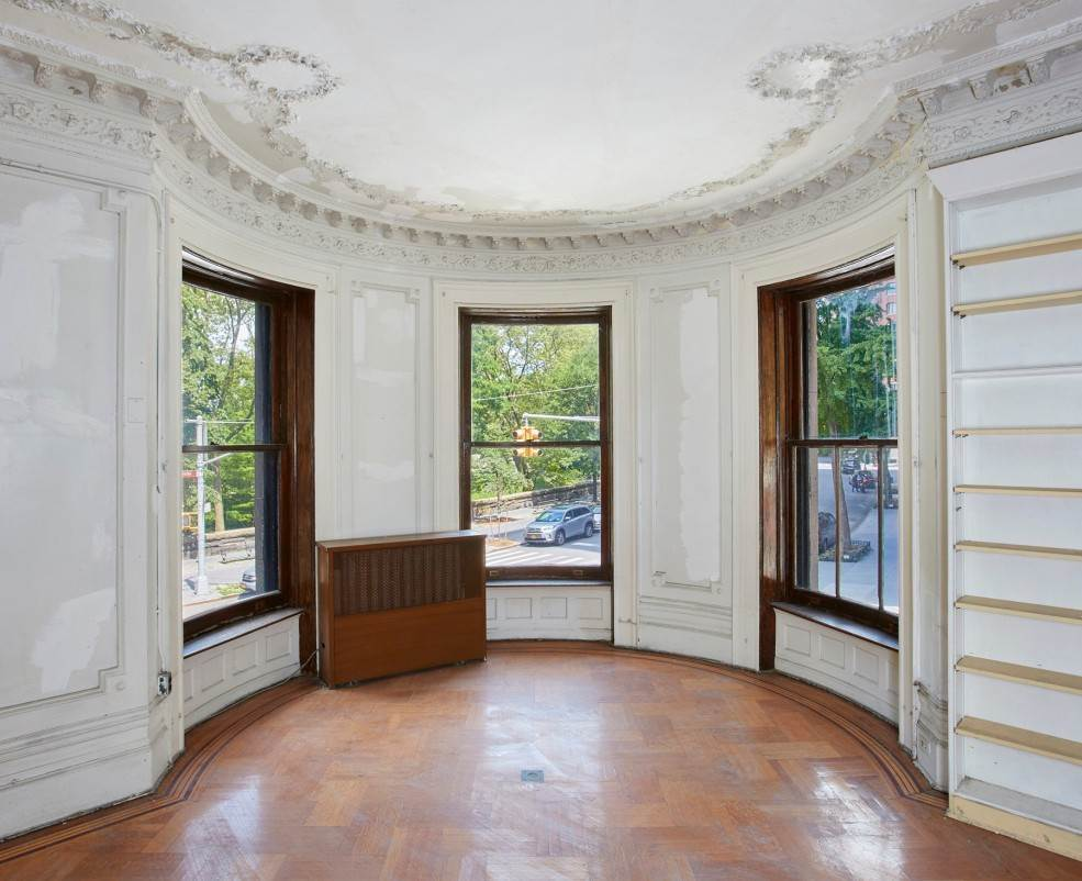 6. Multi Family Townhouse for Sale at Carroll Mansion 86 Riverside Drive New York, New York,10024 United States