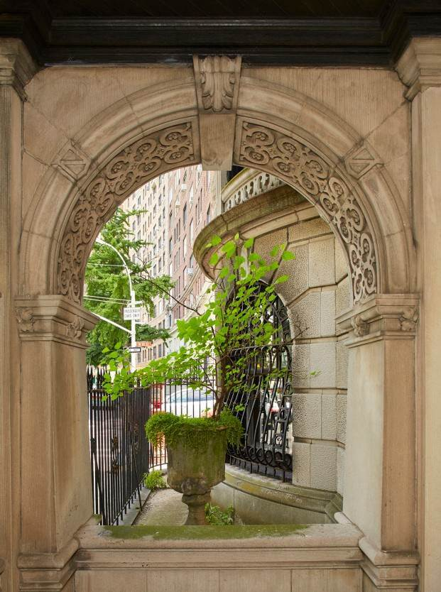 2. Multi Family Townhouse for Sale at Carroll Mansion 86 Riverside Drive New York, New York,10024 United States