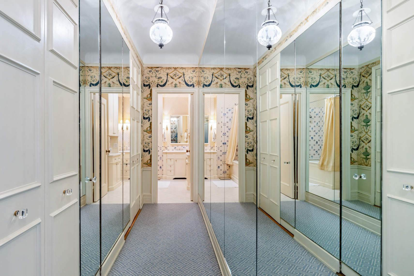 11. Co-op property por un Venta en 30 East 71st Street 33 East 70th Street, 8-C New York, Nueva York,10021 Estados Unidos