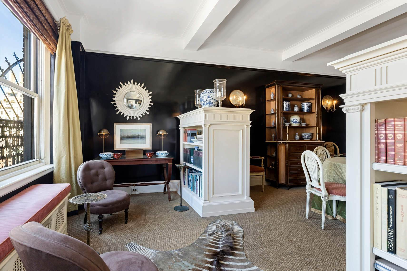 5. Co-op property por un Venta en 30 East 71st Street 33 East 70th Street, 8-C New York, Nueva York,10021 Estados Unidos