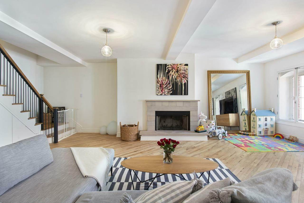 2. Condominium for Rent at Sugar Warehouse 79 Laight Street, 5-F New York, New York,10013 United States