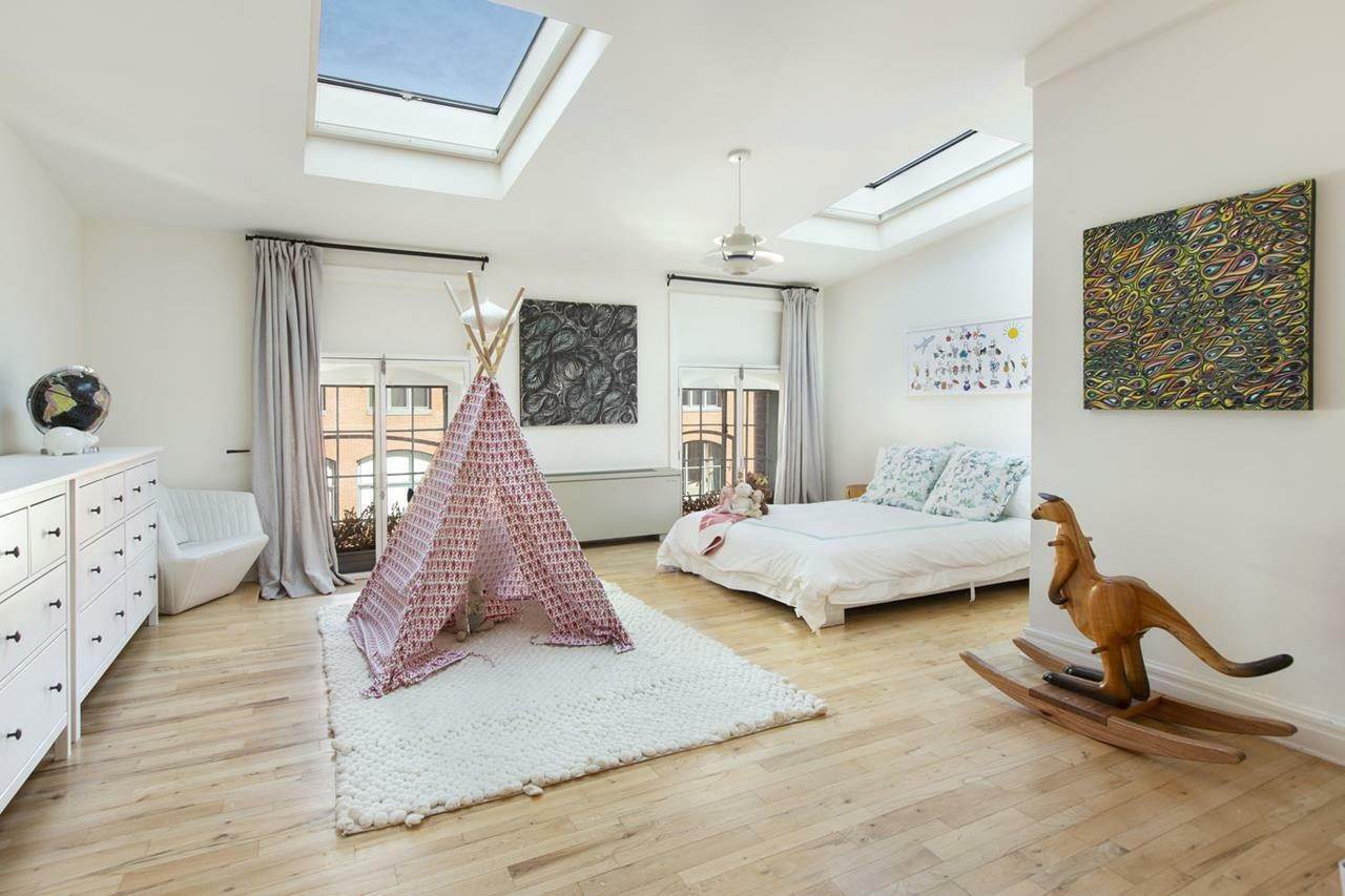 8. Condominium for Rent at Sugar Warehouse 79 Laight Street, 5-F New York, New York,10013 United States