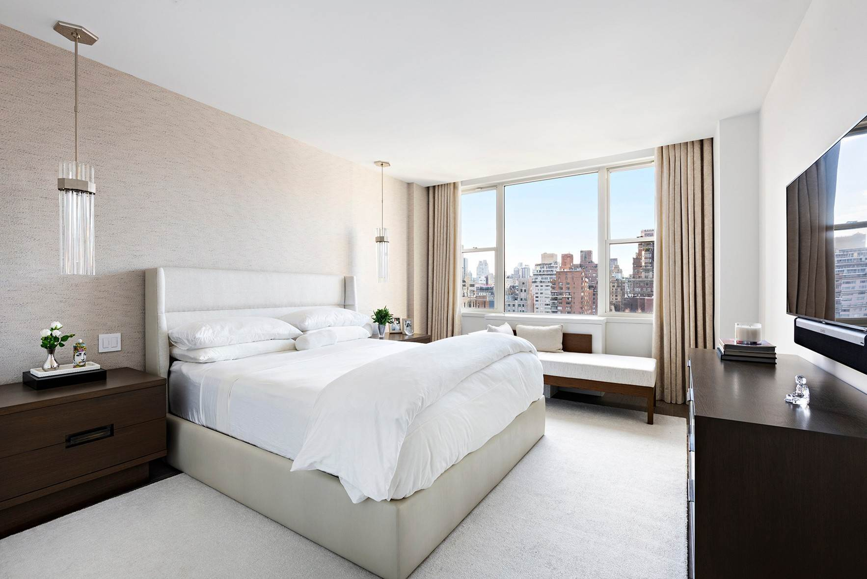 5. Co-op property для того Продажа на Townsend House 176 East 71st Street, 16F New York, Нью-Йорк,10021 Соединенные Штаты