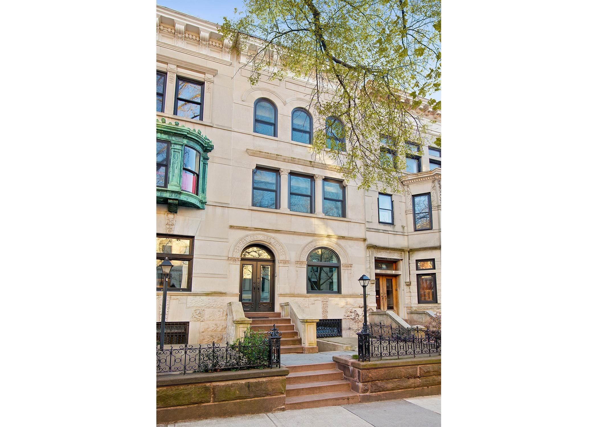 Single Family Townhouse 용 매매 에 Park Slope, Fourth Street Townhouse Brooklyn, ??,11215 ??