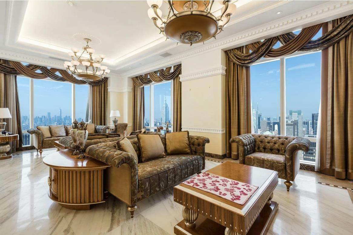 Condominium for Rent at Trump World Tower 845 United Nations Plaza, 81-BC New York, New York,10017 United States