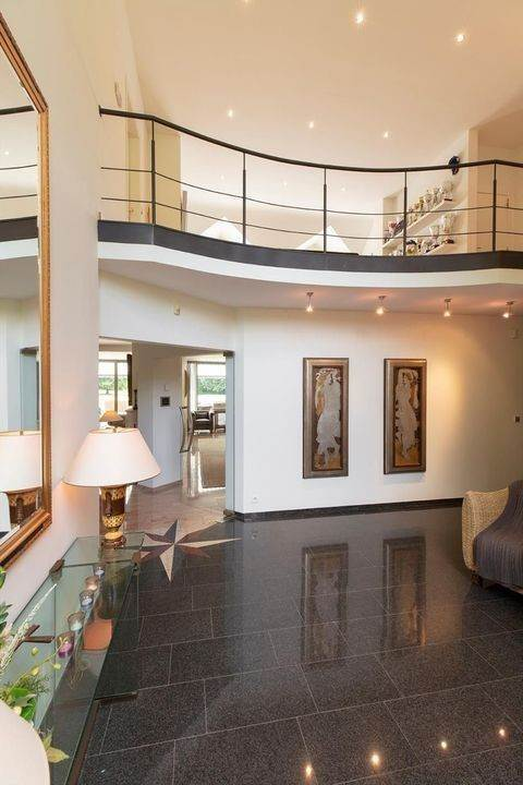 11. Villa/Townhouse for Sale at Belgium