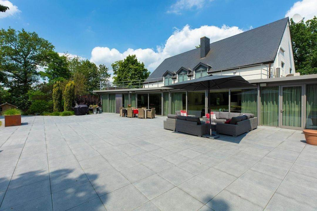 5. Villa/Townhouse for Sale at Belgium