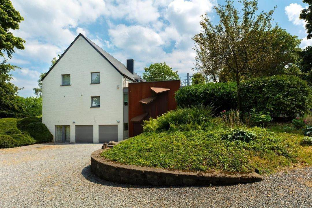 6. Villa/Townhouse for Sale at Belgium