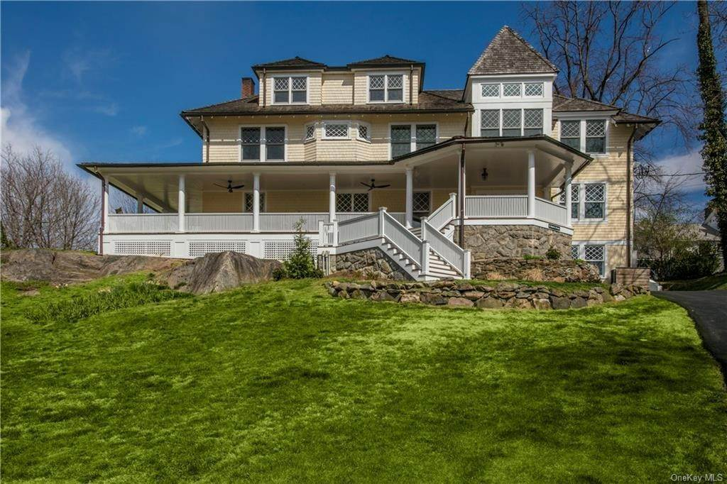 Single Family Home for Sale at 4 Monroe Avenue Larchmont, New York,10538 United States