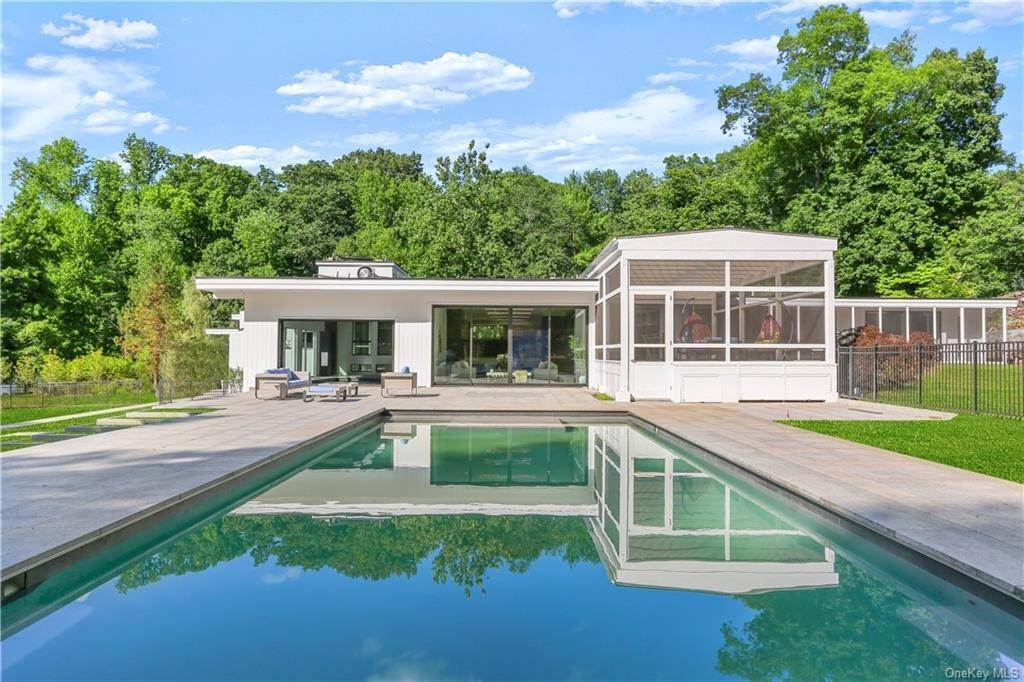Single Family Home for Sale at 862 Fenimore Road Larchmont, New York,10538 United States