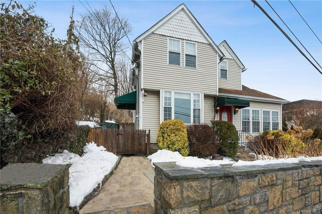 Single Family Home for Sale at 43 Terrace Place Tuckahoe, New York,10707 United States