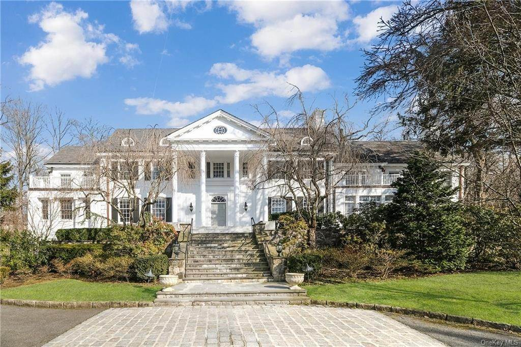 Single Family Home のために 売買 アット 17 Heathcote Road Scarsdale, ニューヨーク,10583 アメリカ