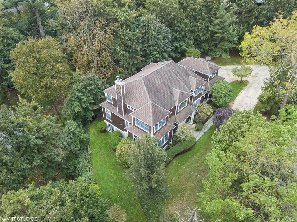 Single Family Home for Sale at 298 Rockland Avenue Larchmont, New York,10538 United States