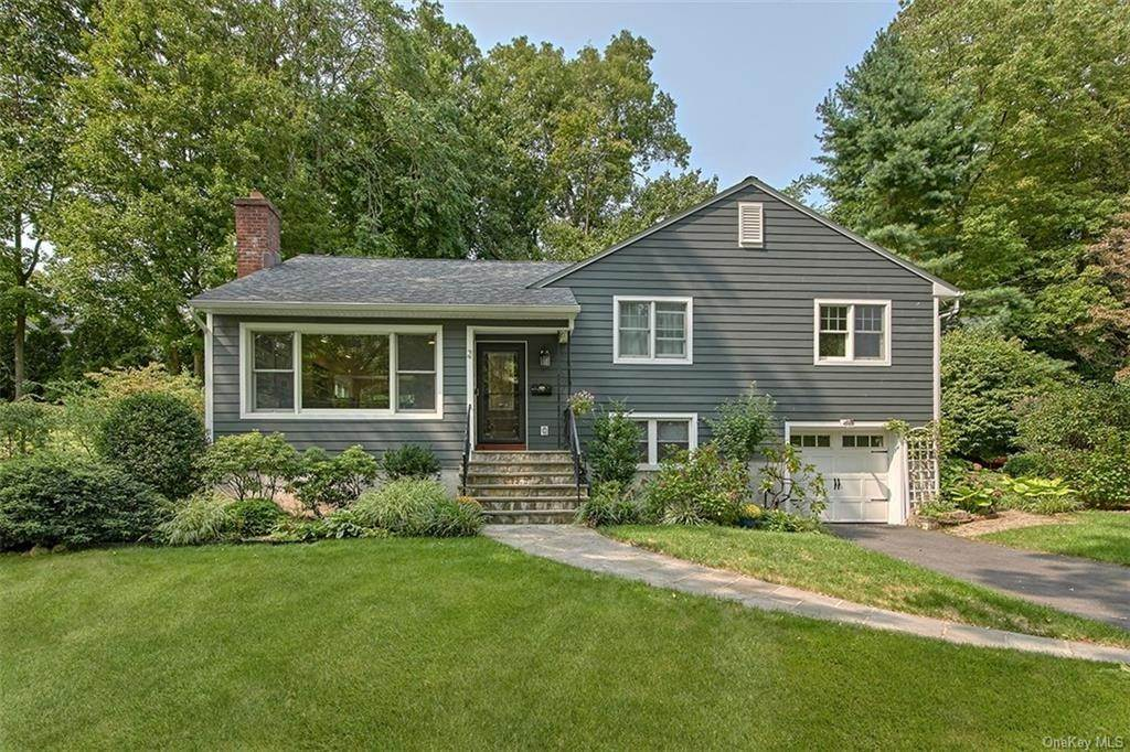 Single Family Home for Sale at 2 Pine Ridge Road Rye Brook, New York,10573 United States