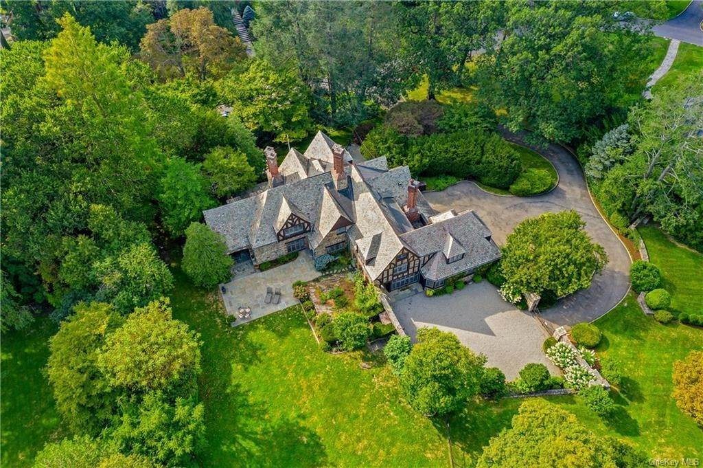Single Family Home for Sale at 6 Beechwood Road Bronxville, New York,10708 United States