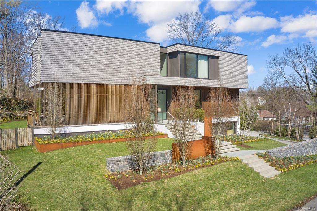 Single Family Home for Sale at 105 Colonial Avenue Larchmont, New York,10538 United States