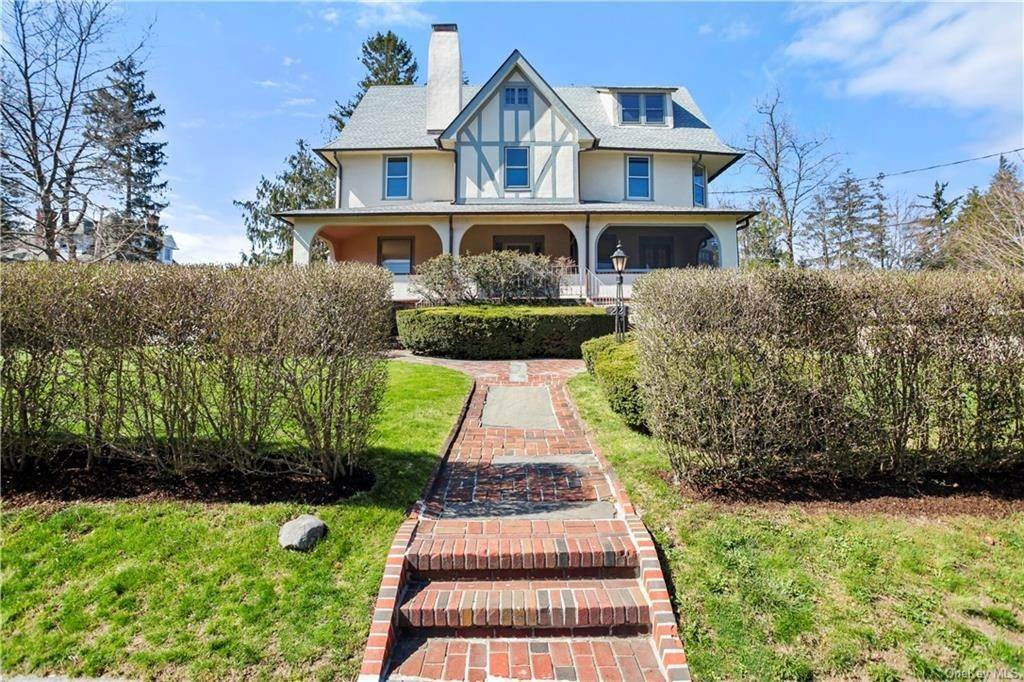 Single Family Home for Sale at 22 Woodbine Avenue Larchmont, New York,10538 United States