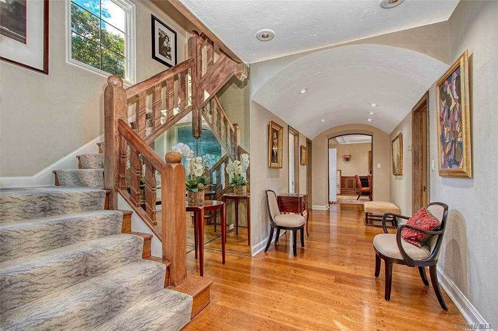 Single Family Home for Sale at 19 Lawrence Lane Harrison, New York,10528 United States