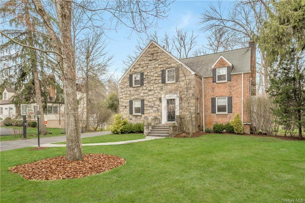 Single Family Home for Sale at 14 Woodland Drive Rye Brook, New York,10573 United States