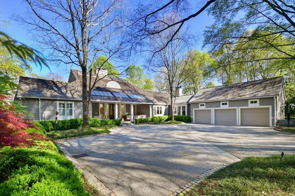 Single Family Home for Sale at 1925 West Paces Ferry Road Nw Atlanta, Georgia,30327 United States