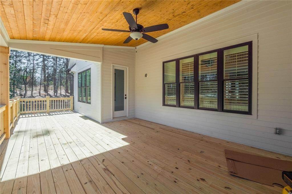 25. Single Family Home for Sale at 16375 Henderson Road Milton, Georgia,30004 United States