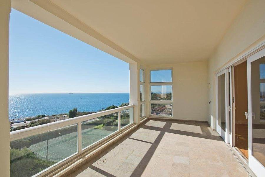 8. Daireler için Kiralama at 3 + 2 bedroom apartment without furniture in a prestigious closed condominium with security, swimming pool, garden and f... Cascais, Portekiz